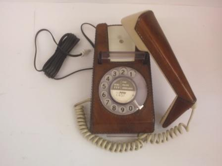 Light Brown Leather covered dial trimphone.